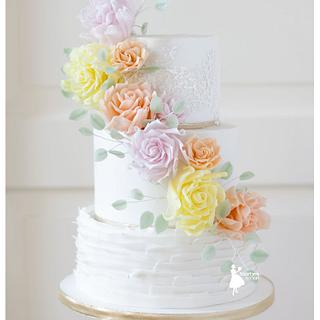 Pastel roses weddingcake