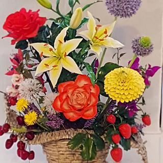 1 Basket with summer flowers and fruits
