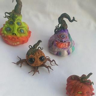 Sugar pumpkins for an halloween cake