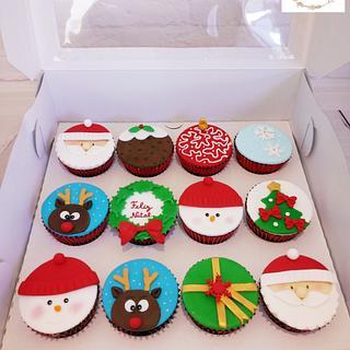 Christmas Cupcakes - Cake by Ana Crachat Cake Designer