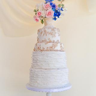 Subtle beauty wedding cake