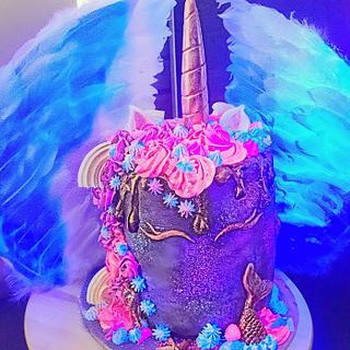 UV unicorn v mermaid cake