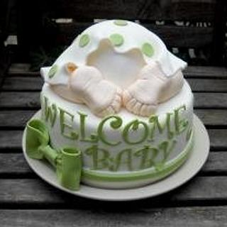 baby bum in green - Cake by cheeky monkey cakes
