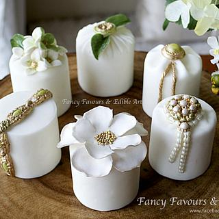 Green, gold & white mini cakes