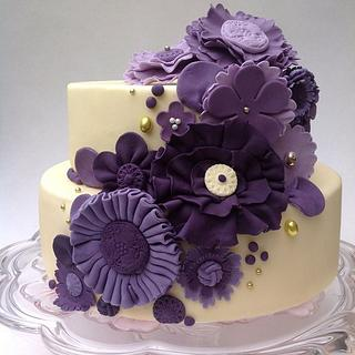 Flowers all the way  - Cake by LittleDzines