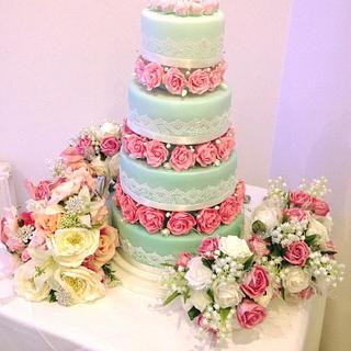 Mint &Pink Wedding - Cake by Yve mcClean