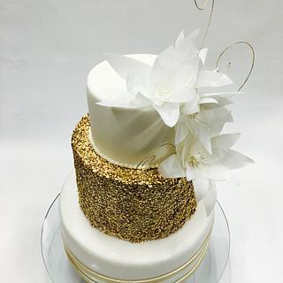 Cake gold flowers
