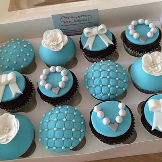 Pretty Tiffany style cupcakes