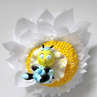 bee cake topper 💖
