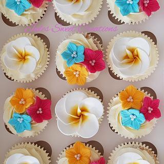 Hawaiian Themed Cupcakes - Cake by Jules Sweet Creations