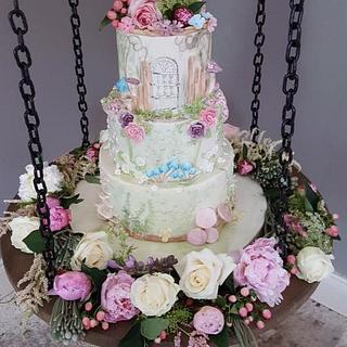 Alice in Wonderland Bas relief and Watercolour wedding cake