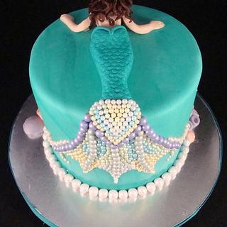 Pearl Mermaid Cake