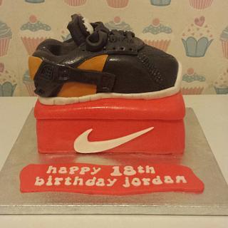 Nike huarache  - Cake by Bert's Bakes