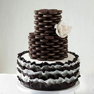 Oreo & Ruffles cake