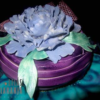 Purple Peony - Cake by Lilas e Laranja (by Teresa de Gruyter)