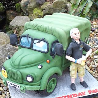 Army truck cake - Cake by Mother and Me Creative Cakes
