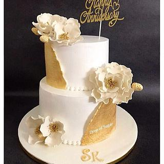 Whipped Cream White & Gold Cake