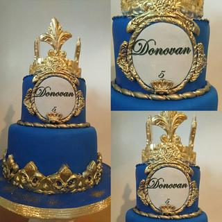 Royal Cake blue and gold