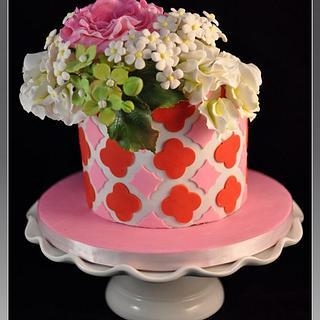 PInk David Austin Roses with Quatrefoil pattern