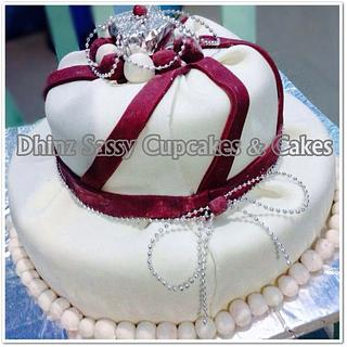 Wedding Cake - Cake by DhinzSassy Cupcakes & Cakes