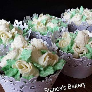 Practice with Nifty Nozzles - Cake by Bianca's Bakery