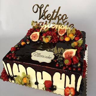 Fruit drip cake
