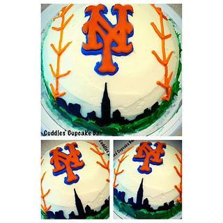 NY Mets - Cake by Cuddles' Cupcake Bar