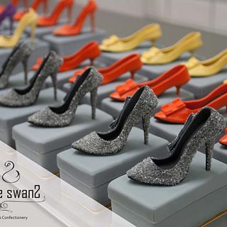 7 cm miniature high heel shoe - Cake by Phyllis Leung