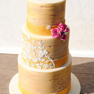 Rustic Wedding - Custom Lace on a Birch Cake with Burlap Ribbon - Cake by Torteneleganz