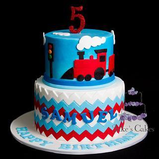 Train and Traffic Light cake