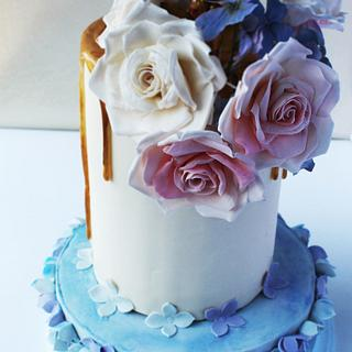 Gold Drip Rose and Hydrangea Cake
