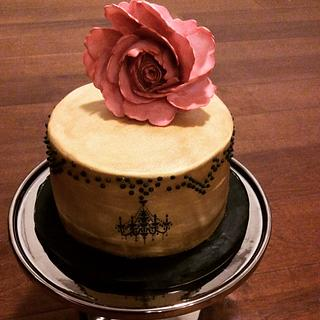 Gold and black classic - Cake by Kelly