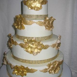 Gold Rose Wedding Cake