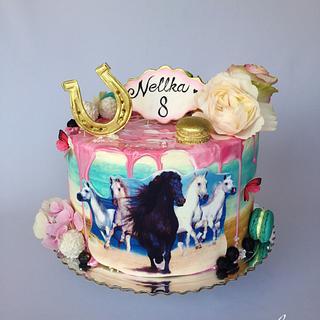 Horses drip cake