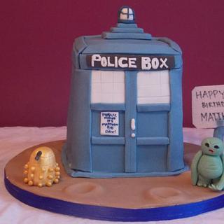 Dr Who Tardis Cake