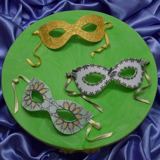 Mardi Gras Masks - Cake by Mandy's Sugarcraft