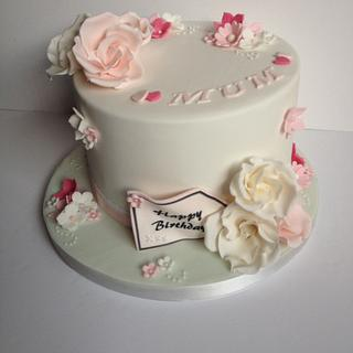 Pretty pink and white flowers cake