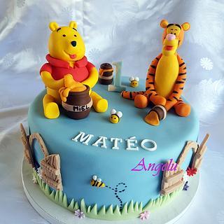 Winnie and Tigger cake - Cake by Angelu