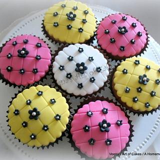 Lattice Design Cupcakes