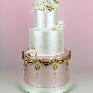 Pearlised Wedding Cake