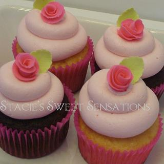 Rose Cupcakes - Cake by Naturepixie