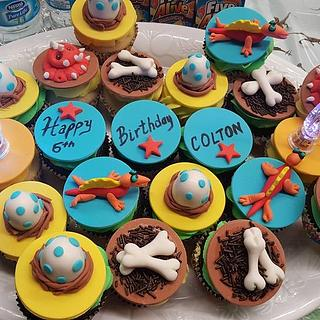 Dinosaur themed cupcakes