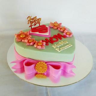 Super Mom Cake - Cake by amie