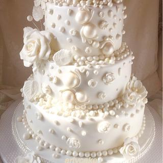 Pearlcakes white wedding cake - Cake by Artycake