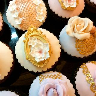 Lace & Roses wedding cupcakes