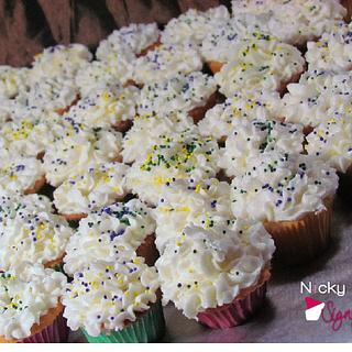 Mardi Gras Cupcake - Cake by NickySignatureCakes
