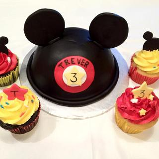 Mickey Ears w/ matching cupcakes