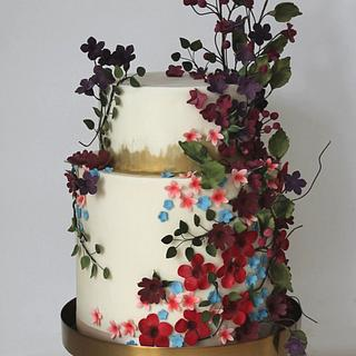 Wild flowers & foliage wedding cake