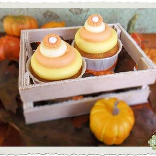 Cupcakes with pumpkin and buttercream