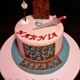 Mini Narnia Cake